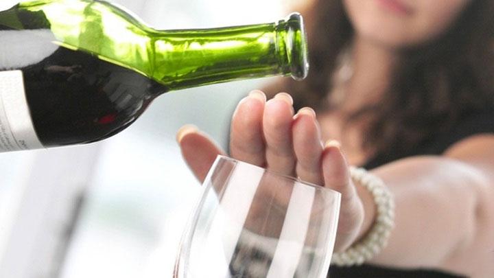 uống rượu vang bao nhiêu là đủ