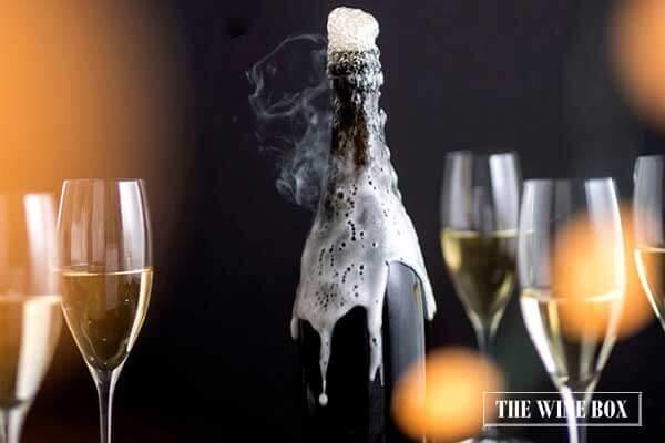 phân biệt rượu vang champagne và sủi bọt