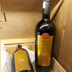 Rượu vang Yali Plus Limited Release