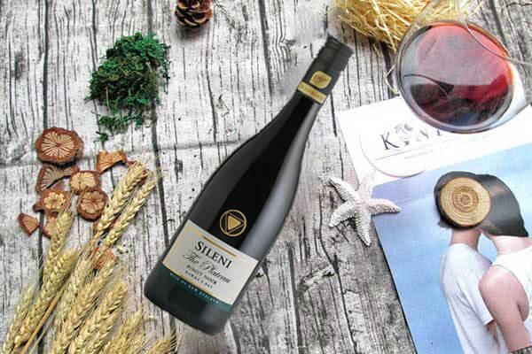 Sileni The Plateau Hawke's Bay Pinot Noir