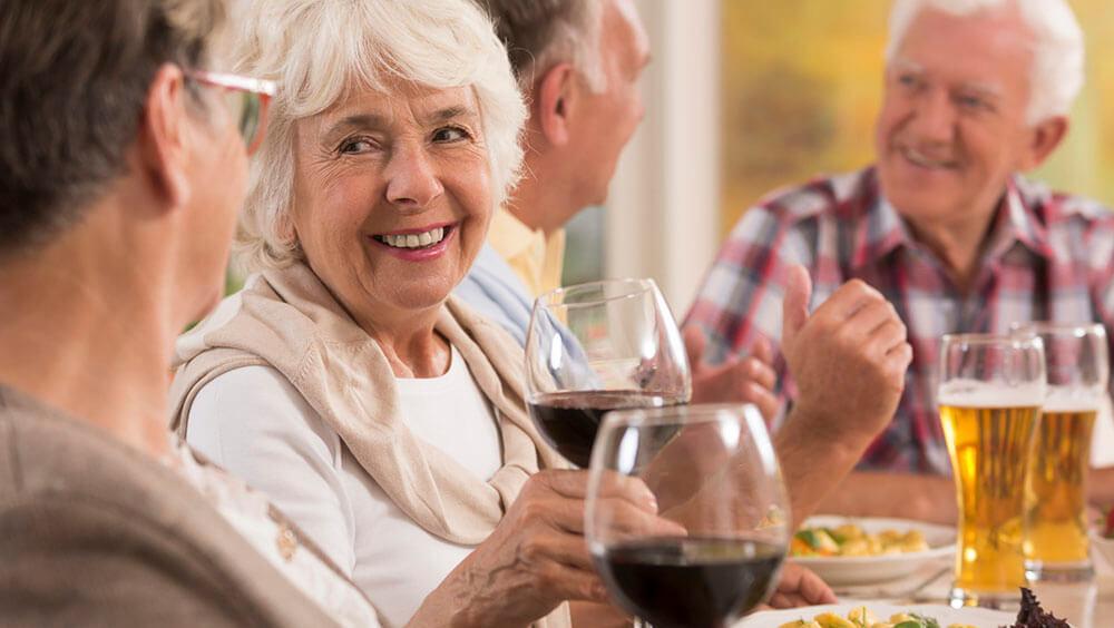 rượu vang giúp kéo dài tuổi thọ