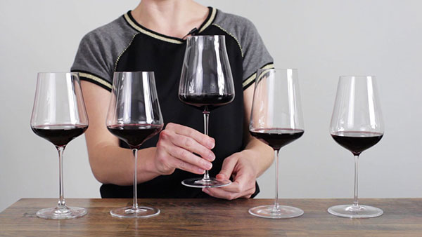 Ly rượu vang đa năng