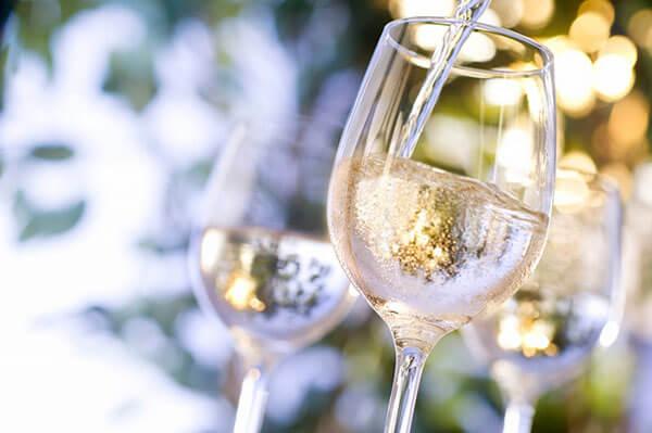 Ly vang trắng Chardonnay