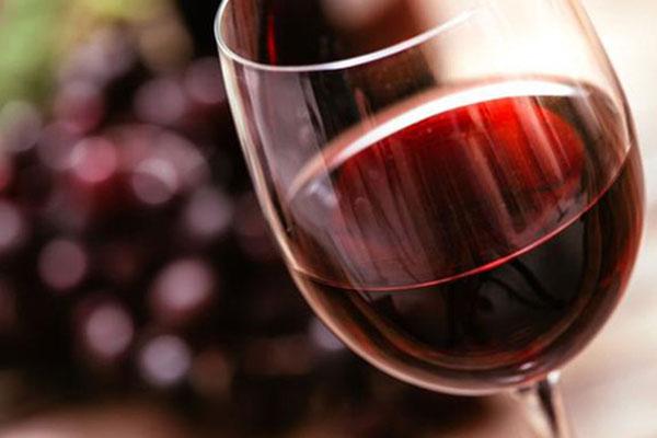 giá rượu vang đỏ pháp