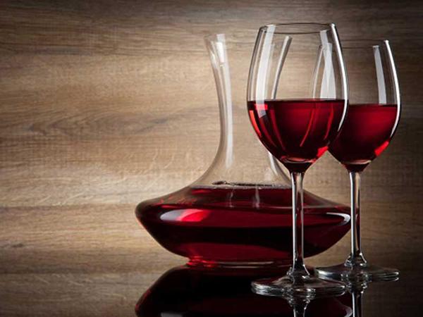 giá rượu vang đỏ ý