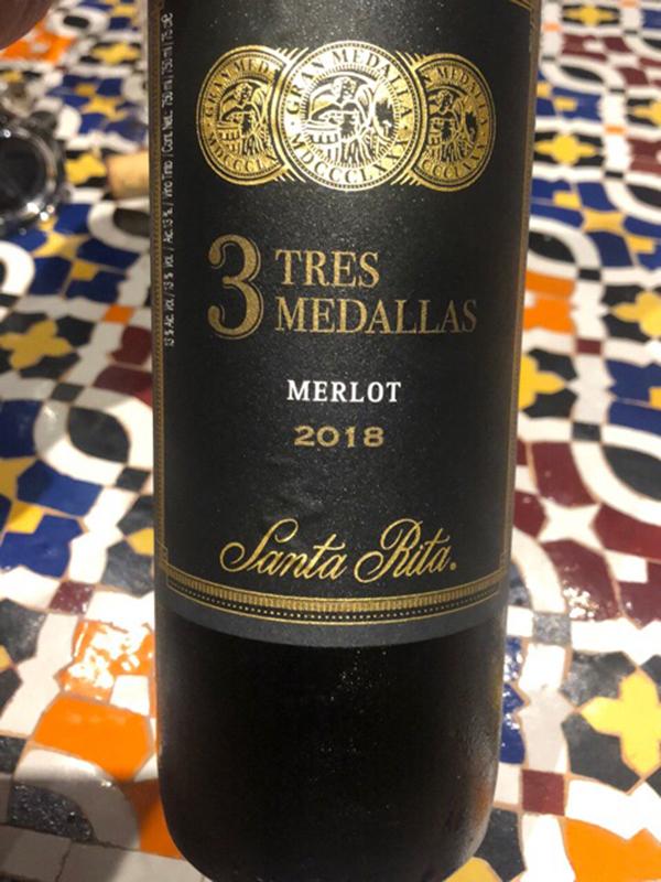 rượu vang đỏ ngon santa rita tres medallas merlot