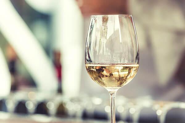 cách chọn rượu vang giá rẻ