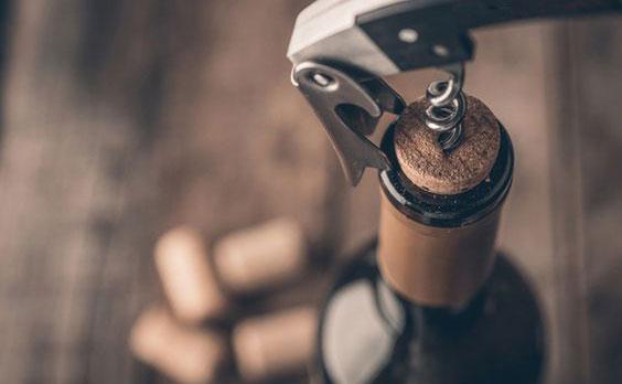 12+ cách khui rượu vang thông dụng không phải ai cũng biết 50