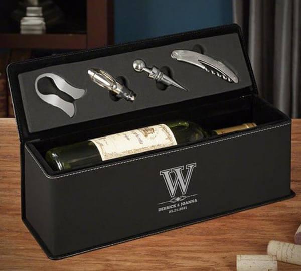 hộp rượu vang con công