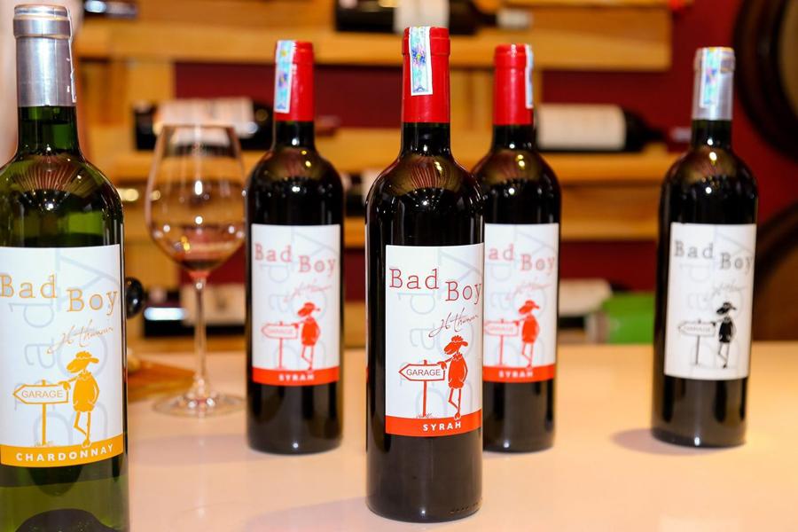 Vang Pháp Bad Boy Thunevin Bordeaux