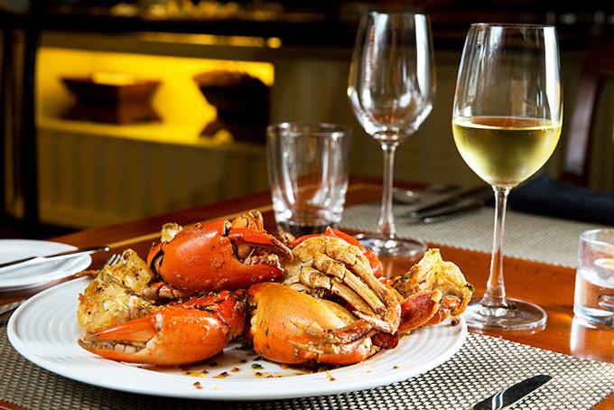 Rượu vang dùng với hải sản