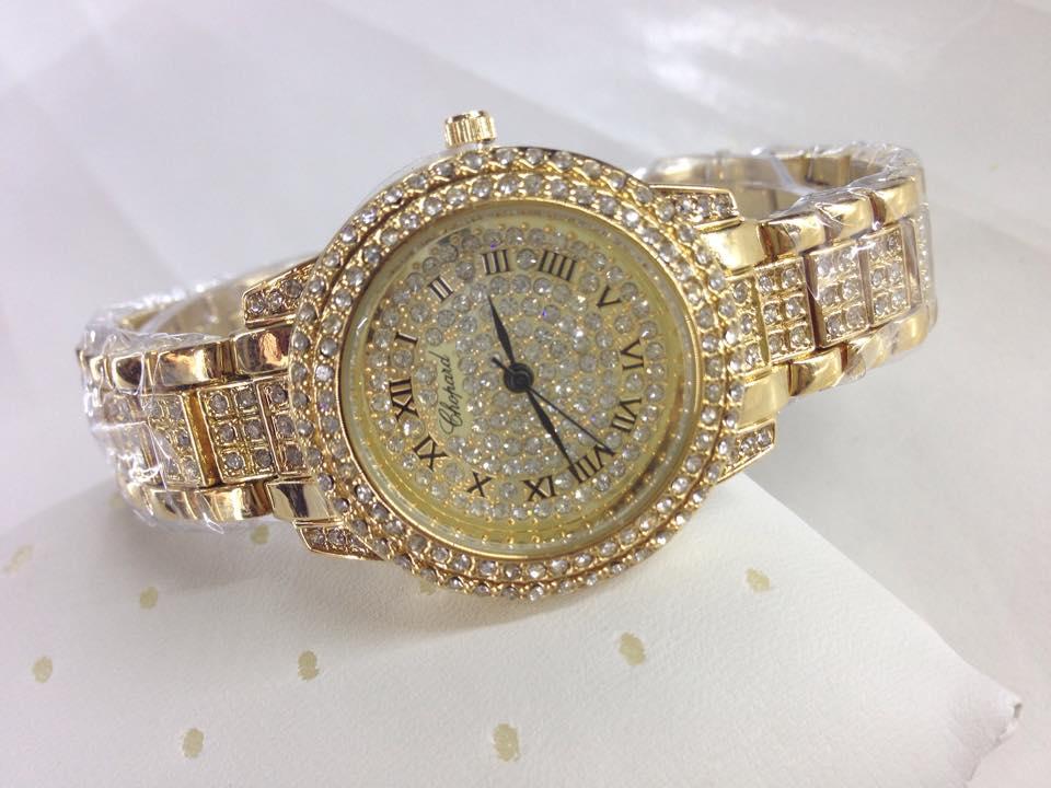 đồng hồ tặng sếp nữ