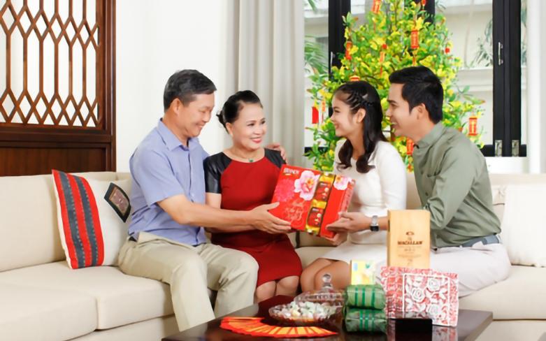 quà tết cho bố mẹ